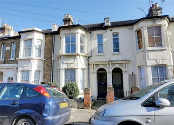Thumbnail 2 bedroom flat for sale in Avenue Road, Westcliff On Sea, Essex