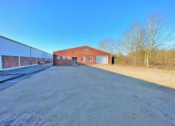 Warehouse to let in Unit 16, Ashford Industrial Estate, Shield Road, Ashford TW15
