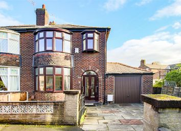 3 bed property for sale in The Crest, Droylsden, Manchester M43