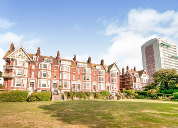 Chatsworth Gardens, Eastbourne BN20. 2 bed flat