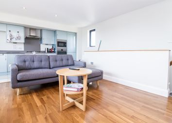 Thumbnail 2 bed flat to rent in Blenheim Road, Kidlington