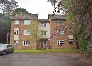 Thumbnail 1 bed flat to rent in Nutfield Avenue, Southampton, Hampshire