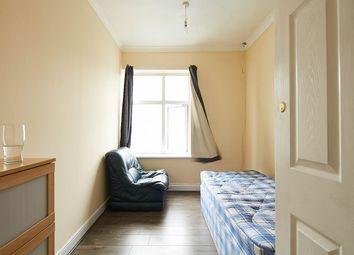 Thumbnail Room to rent in Regents Plaza, Kilburn High Road, London