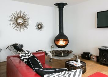 Thumbnail Serviced town_house to rent in Alba Place, London