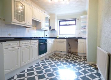 Thumbnail 2 bedroom flat to rent in High Street, Knottingley
