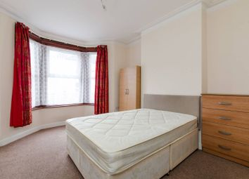 4 bed property to rent in Totterdown Street, Tooting, London SW178Tb SW17