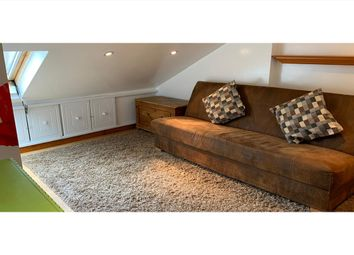 1 bed flat to rent in Fulham Palace Road, Fulham W6