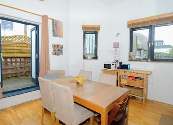 2 bed maisonette for sale in Cricketfield Road, Hackney, London E5