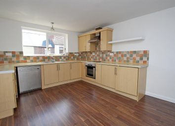 Thumbnail 3 bed town house for sale in Chesterfield Street, Carlton, Nottingham