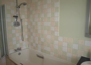 Thumbnail 4 bed terraced house to rent in Queens Avenue, Finchley
