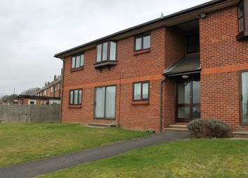 Thumbnail 1 bed flat to rent in 37 Caerleon Drive, Southampton