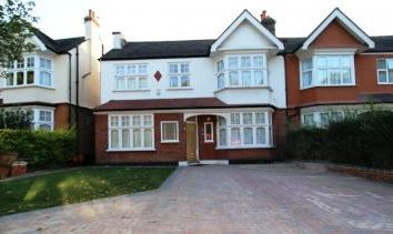 Thumbnail 4 bed property to rent in Lordship Lane, Dulwich, London