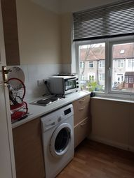 Room to rent in Helmsdale Road, London SW16