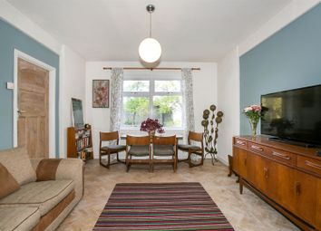 Thumbnail 2 bedroom flat for sale in Taymount Rise, London