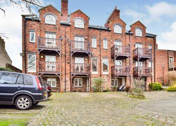 Thumbnail 2 bed flat for sale in Roan House Way, Macclesfield, Cheshire