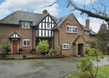 Thumbnail 5 bed detached house to rent in Manor Road, Penn, High Wycombe