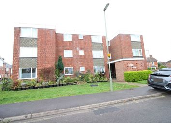 Havelock Road, Warsash, Southampton SO31. 2 bed maisonette