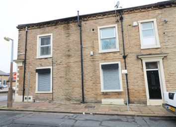 Thumbnail 1 bed flat to rent in Union Street South, Halifax