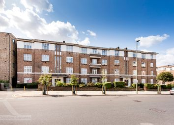 Thumbnail Flat for sale in Windsor Court, Golders Green, London