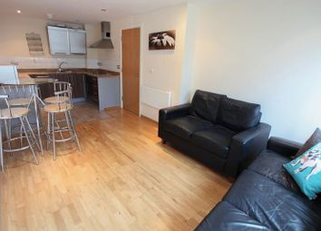 Thumbnail 2 bed flat to rent in Oldham Street, Liverpool
