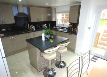 Thumbnail 6 bed terraced house to rent in Ellesmere Road, Bow