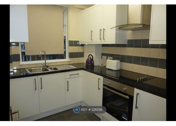 Thumbnail 3 bed flat to rent in Kirby Estate, London