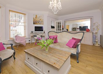 Thumbnail 2 bed flat for sale in Hillside Gardens, Highgate, London