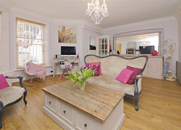 Thumbnail 2 bed flat for sale in Hillside Gardens, Highgate, London