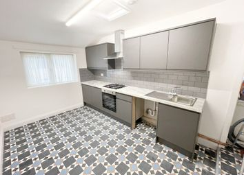 Thumbnail 1 bed flat to rent in Chatsworth Road, Hackney