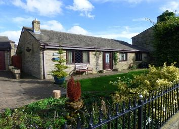 Thumbnail 3 bed bungalow to rent in Burnley Road, Loveclough, Rossendale