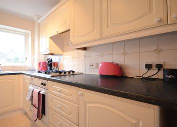 Thumbnail 2 bedroom flat to rent in Southcote Road, Reading