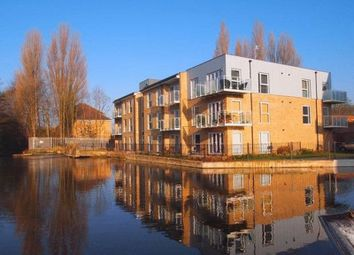 Thumbnail 2 bed flat for sale in Croxley Road, Nash Mills, Hemel Hempstead