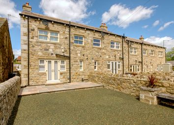 Thumbnail 3 bed town house for sale in Holly View, Barnoldswick