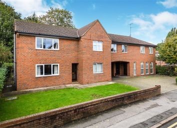 Hutton Road, Shenfield, Brentwood, Essex CM15. 2 bed flat