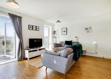 2 bed flat for sale in Alcock Crescent, Crayford, Dartford DA1