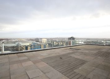 The Oxygen Apartments, Royal Victoria Dock E16. 3 bed flat