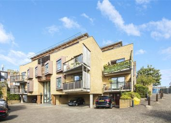 Thumbnail 2 bed flat for sale in Woodland Crescent, Greenwich