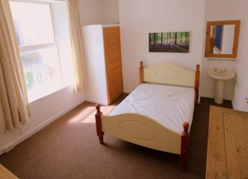 Thumbnail 3 bed flat to rent in Arundel Crescent, Plymouth