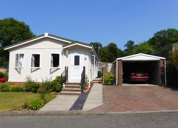 2 bed mobile/park home for sale in The Martletts, Vicarage Lane, Burwash Common, Etchingham TN19