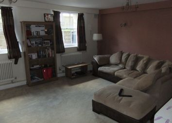 Thumbnail 1 bedroom flat to rent in Wrenbury Court, Reading