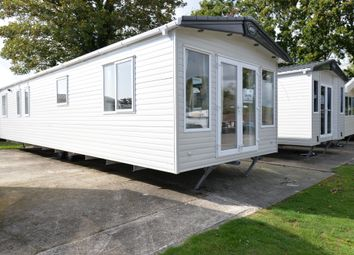 3 bed mobile/park home for sale in Sway Road, New Milton BH25