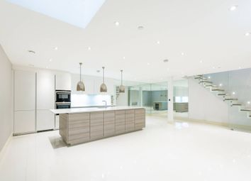Thumbnail 3 bed property to rent in Queens Gate Mews, South Kensington