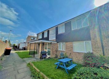 Thumbnail Flat for sale in Fairfield Road, Dunstable, Bedfordshire