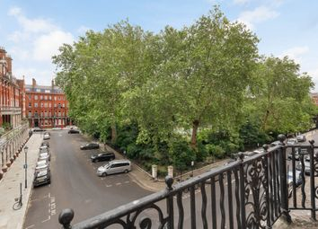 3 bed flat for sale in Cadogan Square, London SW1X