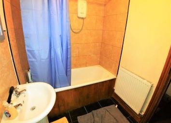 2 bed flat to rent in Kensington Terrace, Hyde Park, Leeds LS6