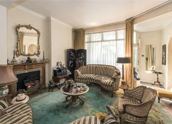 Thumbnail 3 bedroom flat for sale in Ennismore Gardens, London