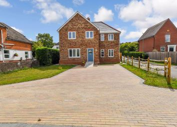 Green Lane, Clanfield, Waterlooville PO8. 4 bed detached house