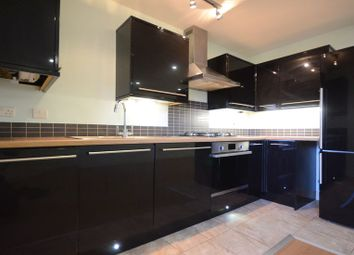 Thumbnail 1 bed flat to rent in Old Bath Road, Calcot, Reading