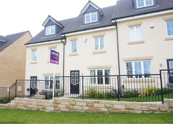 Thumbnail 3 bed town house for sale in Brompton Drive, Apperley Bridge