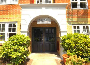 Thumbnail 2 bed flat to rent in Exeter Road, Cricklewood